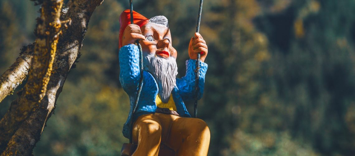 gnome-on-swing-chair-1503441
